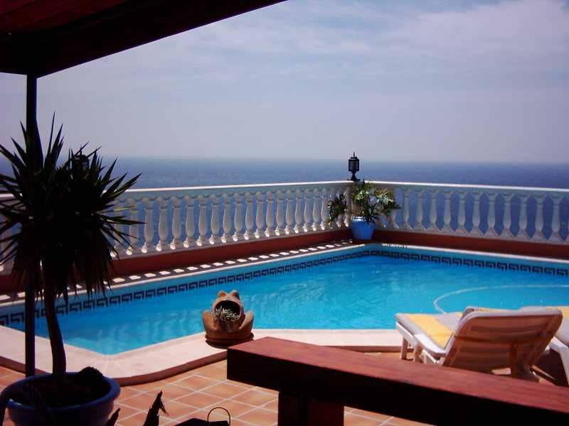 Immobiliare tenerife isole canarie ville appartamenti for Appartamenti barcellona sul mare