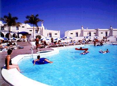 Residence puerto rico beach gran canaria spiaggia anfi beach las palmas spagna - Canarie a dicembre si fa il bagno ...